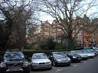 Hans Place - Parked cars at Hans Place (2009)