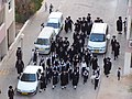 Haredim allant a la synagogue.jpg