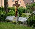 Haus Lutherrose Kriegerdenkmal 1934.JPG