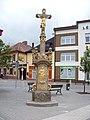 Holice, náměstí, kříž.jpg