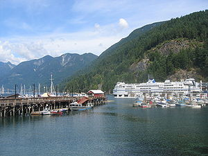 Horseshoe Bay, West Vancouver - Image: Horshbay ferry boats