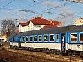 Hrušovany u Brna, železniční stanice, vůz 80-30 002 (02).jpg