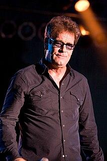 Huey Lewis Singer-songwriter, rock musician