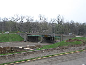 Interstate 64 in Missouri - In 2008, I-64/US 40 was closed in this area for a complete reconstruction between 2008 and 2009. Shown is the Spoede Road overpass above I-64. This overpass was demolished in June 2008.