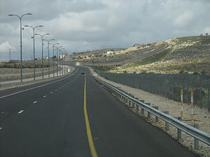 Highway 50 (Israel) - Northward approaching Atarot Junction