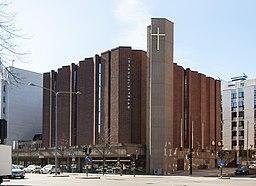 Kyrkan firar sin fralsare 2