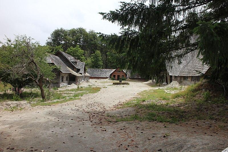File:Inalco - villa la angostura - neuquen -argentina - panoramio (19).jpg