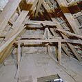 Interieur, deel van de kapconstructie met hijswerktuig - Deventer - 20336357 - RCE.jpg