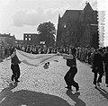 Internationaal folkloristische optocht Arnhem La Fazandole uit Le Courtepin , Bestanddeelnr 907-9246.jpg