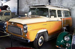 International Harvester Travelall - 1959-1960 B120 Travelall