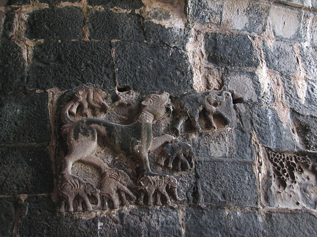 Janjira-fort-gate-tiger-elephant