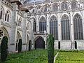 Jardins de la Cathédrale de Rouen.JPG