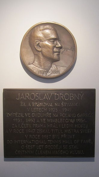 Jaroslav Drobný - Jaroslav Drobný's plaque at the 1st Czech Lawn Tennis Club in Prague