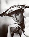 Joan Collins 1952.jpg