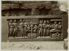 KITLV 28029 - Kassian Céphas - Relief of the hidden base of Borobudur - 1890-1891.tif