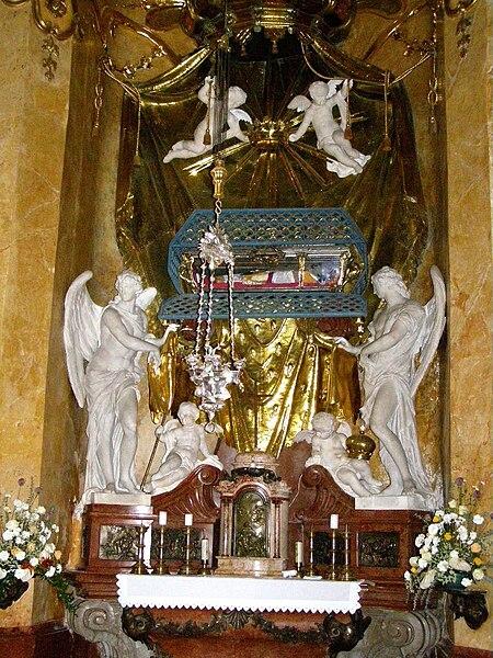 File:Kaplnka sv. Jána Almužníka02.jpg