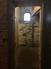 Fil:Karlstens fästning IMG 9581 the isolation cell.jpg