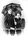 Karoline Maria Immakulata, Erzherzogin von Österreich-Toskana mit ihrer Schwester Maria Antonia.jpg