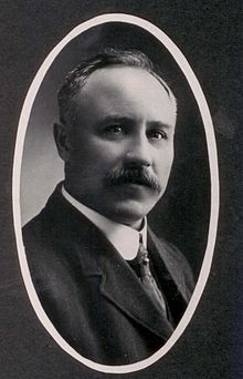 Kenneth W Mackenzie - 1910.jpg