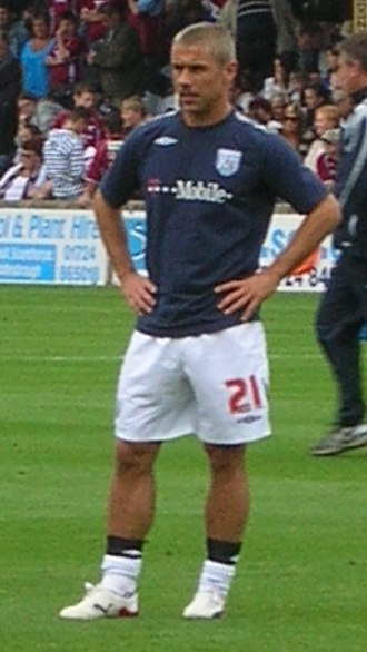 Kevin Phillips (footballer) - Warming up for West Bromwich Albion in 2007