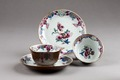 Kinesiskt blommig servis i porslin gjord under Qianlong 1735-1795 - Hallwylska museet - 95732.tif