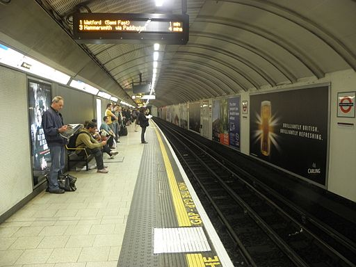 King's Cross St Pancras stn Circle anticlockwise look clockwise 2012