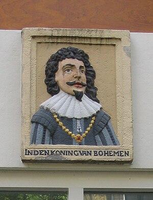 Gable stone - Gable stone commemorating Frederick V of Bohemia, Egelantiersgracht 153-159, Amsterdam