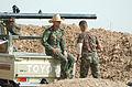 Kirkuk ISIS Kampflinie - warten (15947076522).jpg
