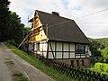 Kleines Fachwerkhaus auf dem Pfarrberg - Meinhard-Grebendorf Bernstal - panoramio.jpg