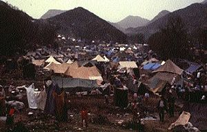 Iraqi–Kurdish conflict - Kurdish refugees in camp sites along the Turkey-Iraq border, 1991