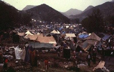 Kurdish refugees in camp sites along the Turkey-Iraq border, 1991