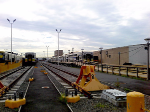 Long Island City (LIRR station) - Image: LIC Station Wooden Platform