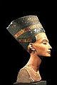 La Reine Nefertiti (Musée égyptien, Berlin) (11782160603).jpg