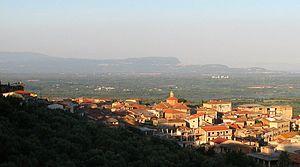 Laureana di Borrello - Image: Laureana Panorama alba luglio zoom 2011