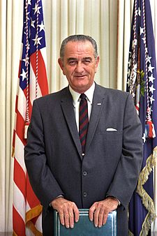 Lyndon B. Johnson nello Studio Ovale