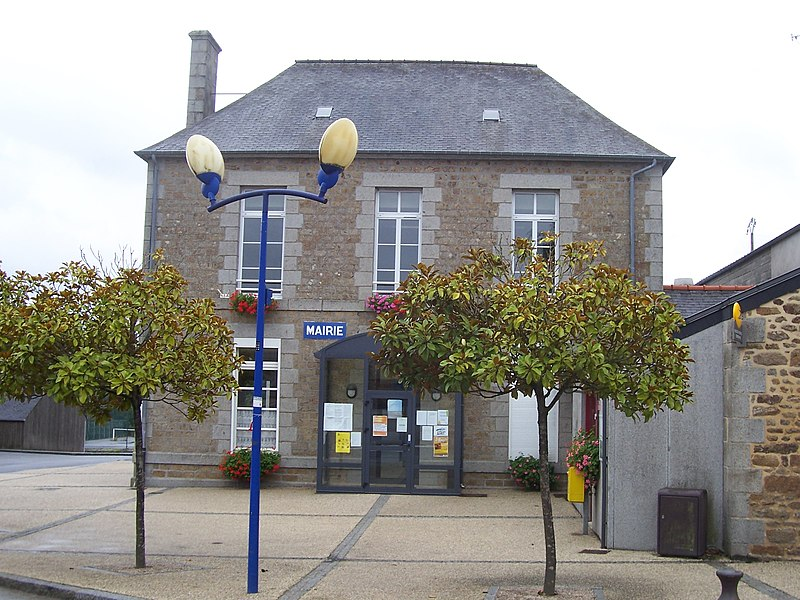 Town hall of Le Loroux.