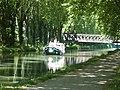 Le canal latéral de la Garonne en aval de l'écluse n°45.jpg