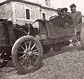 Le photographe Rol à bord de la voiture de Joseph Collomb en 1905, au Mont Ventoux (peu avant son décès).jpg