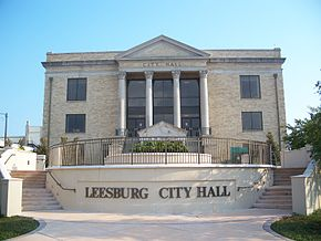 Leesburg FL city hall01.jpg
