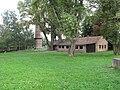 Litoměřice, krematorium Richard, budova a komín z druhé strany.JPG