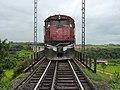 Locomotiva (tracionando de ré) no final do comboio que passava sentido Guaianã no viaduto ferroviário sobre o vale do Córrego Guaraú em Salto - Variante Boa Vista-Guaianã km 204 - panoramio (1).jpg