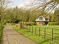 Lodge cottage Doddington Place - geograph.org.uk - 4875.jpg