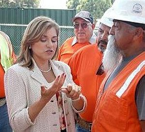 Loretta Sanchez - Loretta Sánchez meeting with union leaders.