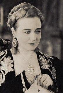 Louise Dresser American actress (1878–1965)