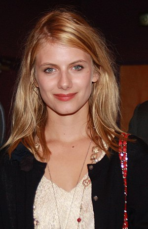 Mélanie Laurent at a premiere for Inglourious ...