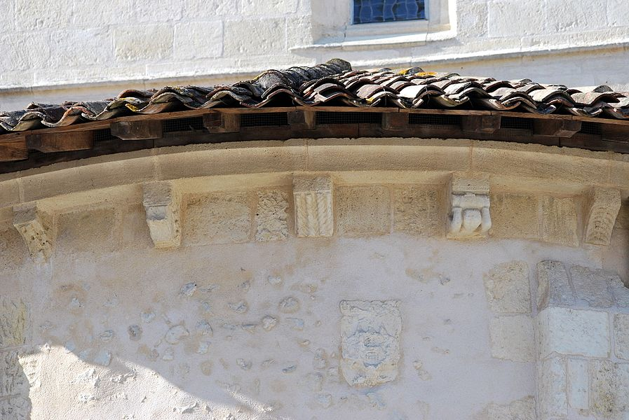 Modillons de l'ancienne église St Vincent de Mérignac (Gironde)