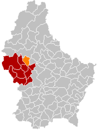 Map of Luxembourg with Grosbous highlighted in orange, the district in dark grey, and the canton in dark red