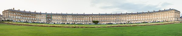 Medialuna Real, Bath, Inglaterra, 2014-08-12, DD 58-61 PAN.JPG