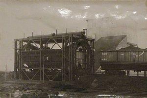 Mesherskoye peat narrow-gauge railway - Rotary car dumper