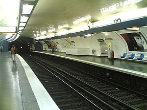 Paris Métro Line 10 - Platform of the station Jussieu.